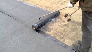 Ремонт мягкой кровли на крыши гаража(http://krov-klin.ru Укладка оного слой гидроизоляции на крышу гаража. Материал Технониколь, Линокром ТКП срок экспл..., 2016-04-20T05:06:38.000Z)