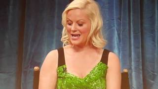 Amy Poehler talks about Leslie's improvised first meeting with Retta's Donna