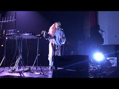 """Erykah Badu performs """"Other Side of the Game"""" at Riverfront Jazz Festival in Dallas"""