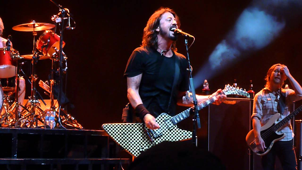 Foo Fighters Dave Grohl Shows Off His Rick Nielson Cheap Trick