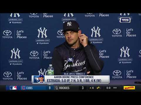 Aaron Boone reacts to Yankees' 8-5 loss