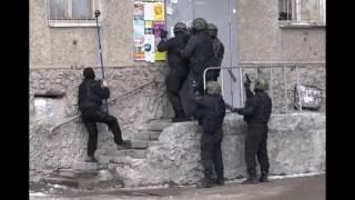 В #Екатеринбург 24 02 2017 мужчина открыл стрельбу по людям около жилого дома и взорвал гранату