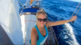 Sailing Across the Pacific Ocean - 40 Days From Panamá to French Polynesia - Ep. 42 Thula Sailing