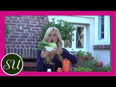 Natural remedies for thinning hair are the subject of Gorgeously Green's Tip Tuesday video