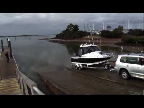 Bar Crusher 670HT alloy fishing boat reviewed in Western Port, Victoria