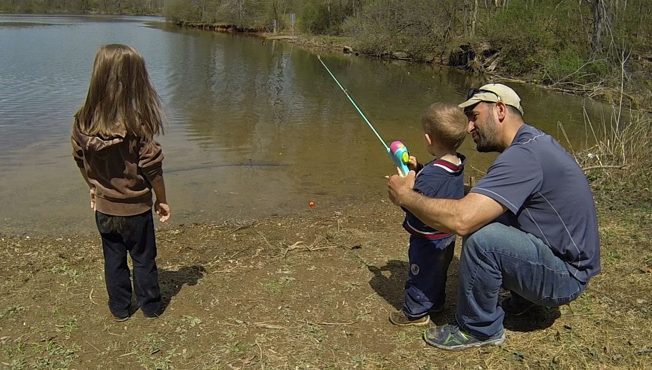 10 Awesome Ideas and Tips for Fishing with Kids - Parents Guide