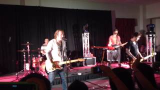 We The Kings - Check Yes Juliet (Live at WCU)