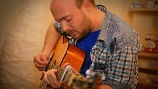 Віктор Мазур - одеський автор і виконавець, рок-бард.
