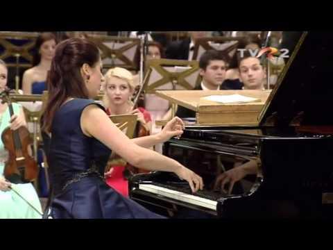 Alexandra Dariescu plays Tchaikovsky piano concerto no 1