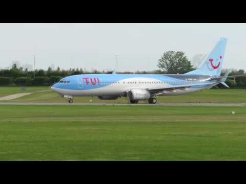 TUI Airlines UK Boeing 737-8K5 G-TAWG reverted after winter lease