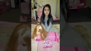 Frisiere und Schminke meine Puppe