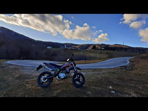 In moto a Lemma (the perfect roard) Malaguti x3m 125 Motard