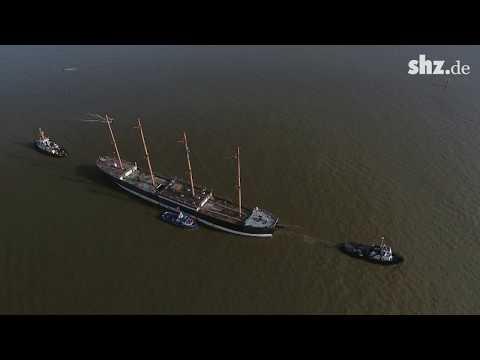 """Museumsschiff """"Peking"""": Ankunft in der Peters Werft"""