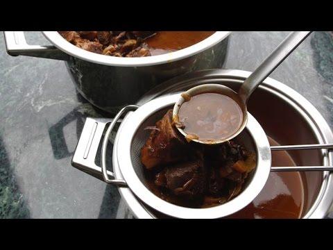 Soße zur Gans zubereiten wie im Sterne-Restaurant zeigt Dir Chefkoch Thomas Sixt