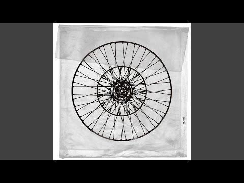 Youtube: Bankroll (feat. Okasian) / Kid Milli & dress