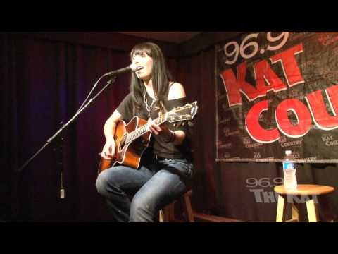 Marlee Scott - Planet Of Your Own (96.9 The Kat Exclusive Performance)