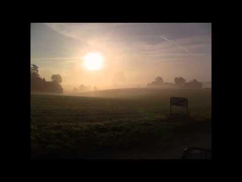Tågen letter over Lohals på Langeland