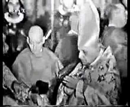 Papal Coronation 04 -The Blessed Sacrament Chapel
