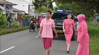 Ketua Bhayangkari Cab.Luwu Utara Ny.Hana Boy Samola didampingi Wkl ...