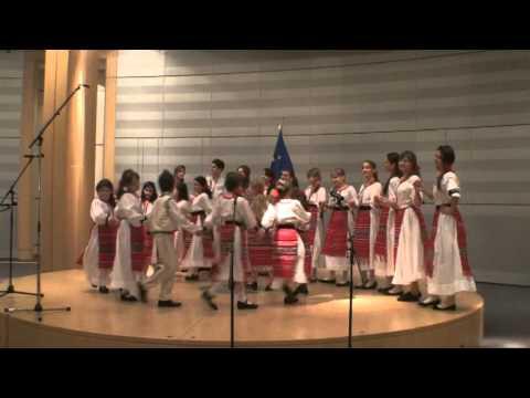 13_Colaj_Folclor_Corul de copii SUNETUL MUZICII