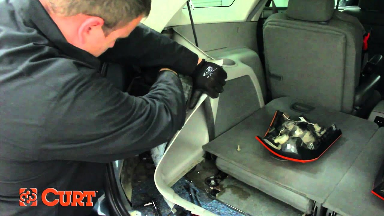 trailer wiring harness install curt 55530 on 2004 2008 chrysler pacifica [ 1280 x 720 Pixel ]