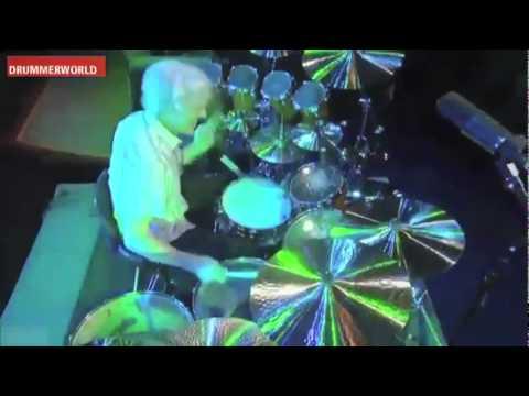 Stewart Copeland - Solo de bateria.flv