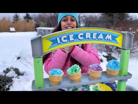 Download Hermanitas divertidas finge vender helado de un camión de helados