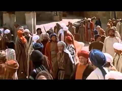 Бывшие христиане и иудеи, приняли и принимают Ислам.