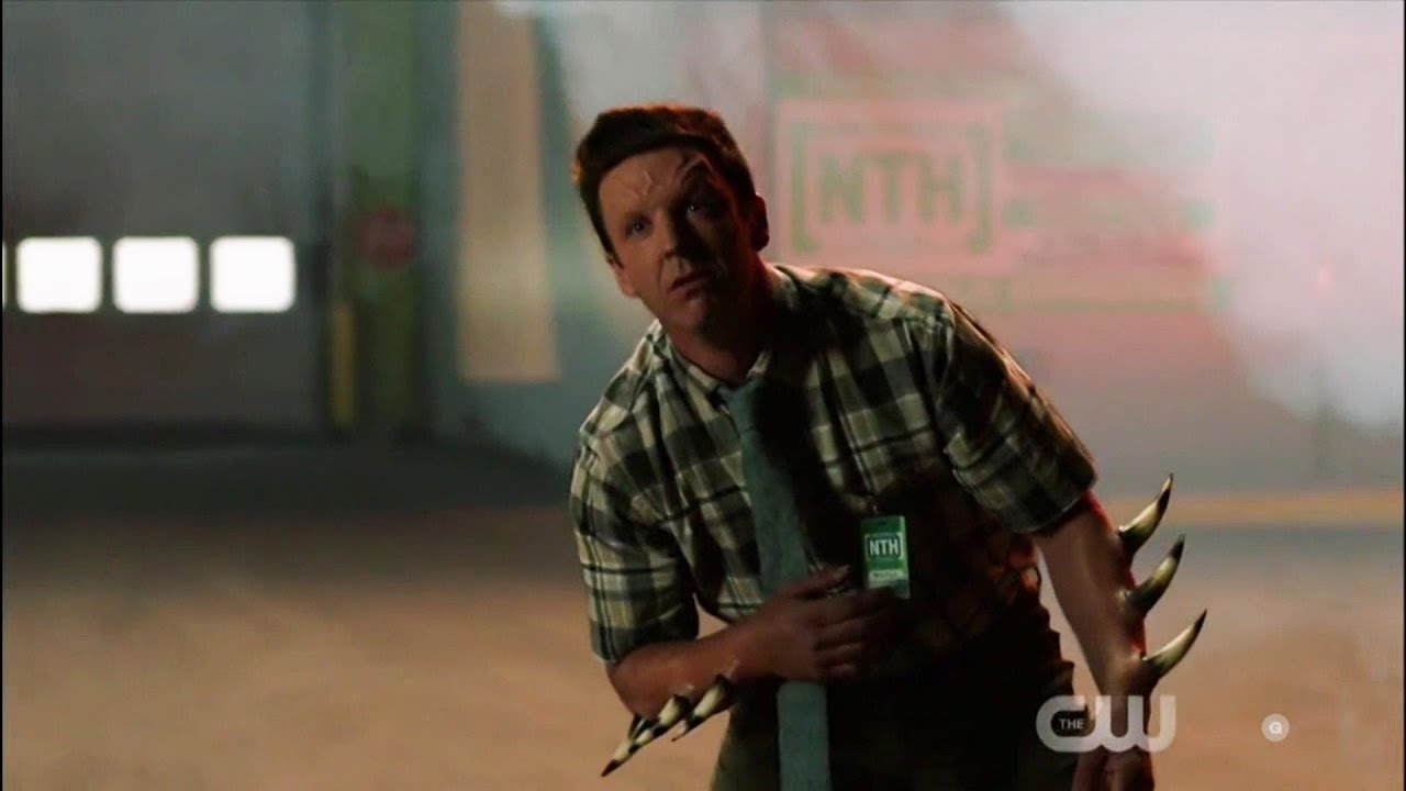Supergirl 4x03 Ben Lockwood kills an Alien Scene