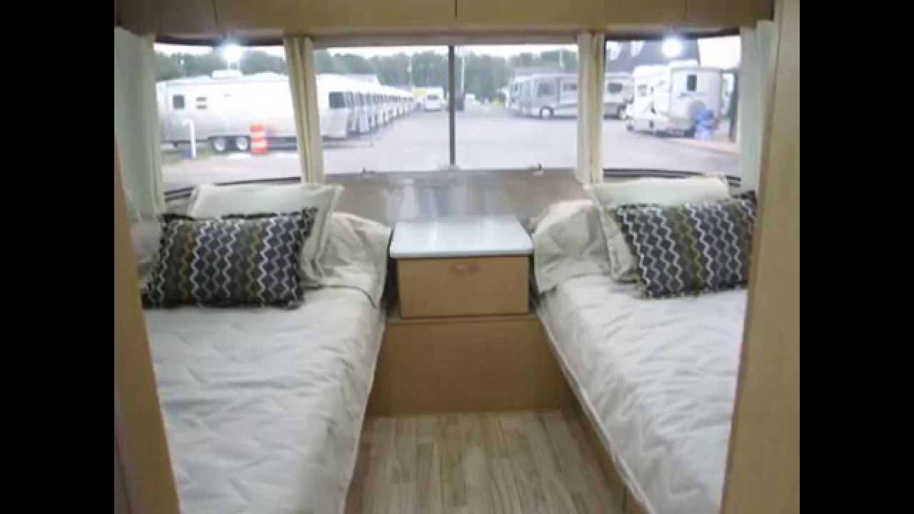 2014 Airstream Flying Cloud 25fb Twin Bed Travel Trailer