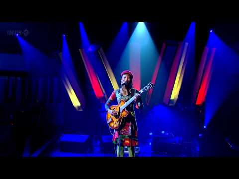 Fatoumata Diawara Clandestin - Later with Jools Holland Live 2011 720p HD