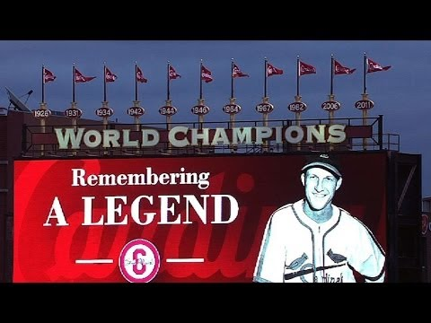MIL@STL: Cardinals honor Musial with plaque