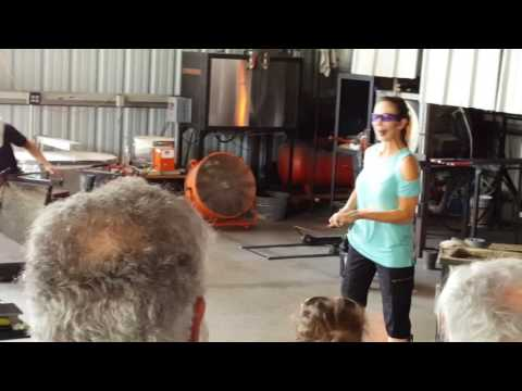 Chihuly St. Petersburg, Hot Shop Demo, beginning of bowl