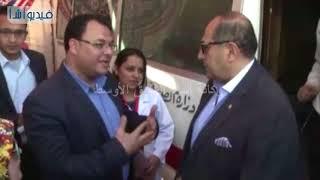 بالفيديو : محافظ سوهاج يتفقد قافلة طبية لجمعية