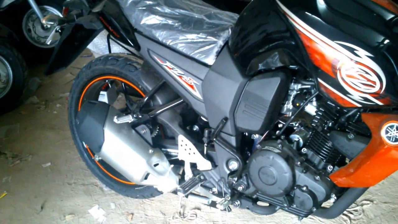 Yamaha fzs battle green price, specs, images, mileage, colors.