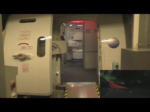 Dreamliner 787 Japan Airlines Flight 414 Helsinki - Tokyo Narita with ATC (northern lights)