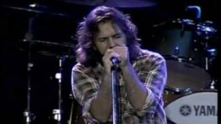 Watch Pearl Jam I Believe In Miracles video