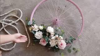 Como fazer um lindo arranjo usando roda de bicicleta com material reciclado