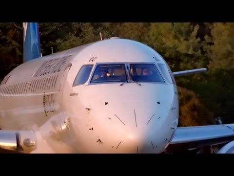 [Pilots waving] Montenegro Airlines Embraer E195 |4O-AOC| Sunset Takeoff @ Tivat Airport