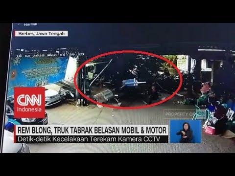 Detik-detik Truk Rem Blong Tabrak Belasan Mobil & Motor Mp3
