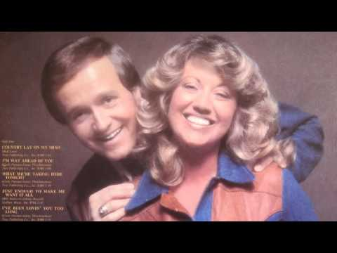 Bill Anderson And Mary Lou Turner - I Can't Sleep With You