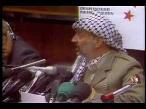 Yasser Arafat le blagueur doublage des bleu poudre