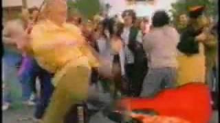 Give Me a Break - Kit Kat Commercial