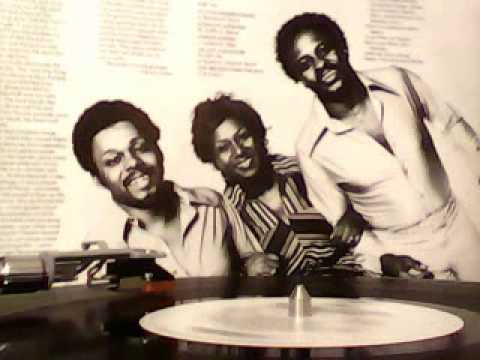The SOUL CHILDREN - I'm Just A Shoulder To Cry On