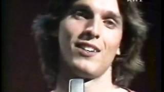 TE AMARE Miguel Bosé 1980 / Canal de RadioRecuerdos / letra de la cancion  lyrics y video