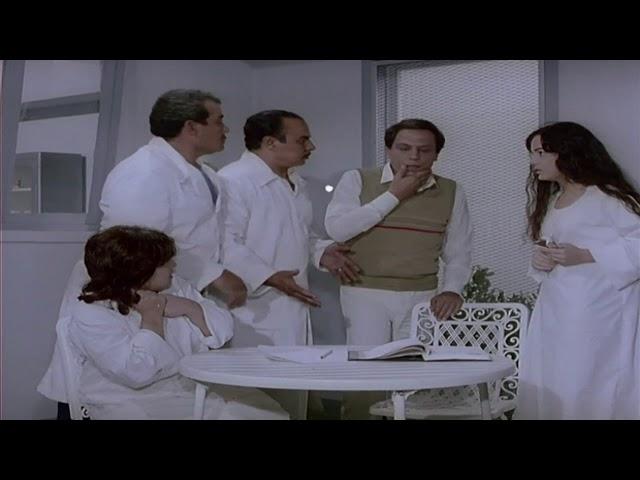 الزعيم وهو بياكل بالقلـم علشان مرضيش ياكل الشيكولاتة !! | فيلم خلي بالك من عقلك
