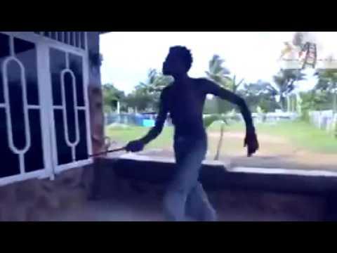 Hiburan - Mop Papua