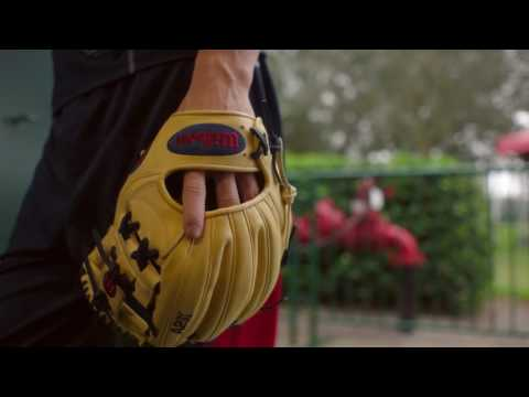 Glove Love: Dansby Swanson Gets Up Close and Personal with his A2K 1787