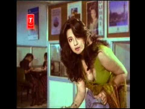 Moon Moon Sen downblouse in Kannada movie