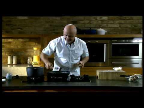 Aldo Zilli cooking Mushroom Papardelle